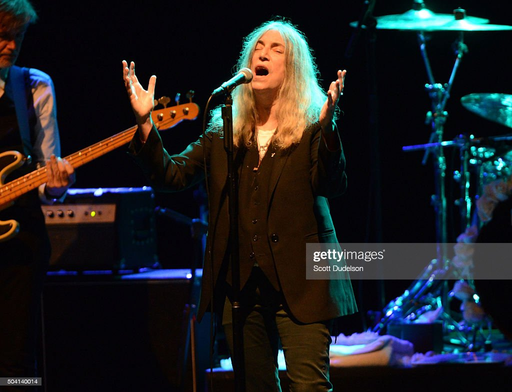 "Patti Smith And Her Band Perform ""Horses"" At The Wiltern : Nieuwsfoto's"
