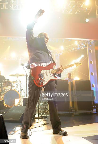 Musician Pete Townshend of The Who performs onstage at the 2008 VH1 Rock Honors honoring The Who at UCLA's Pauley Pavilion on July 12 2008 in Los...