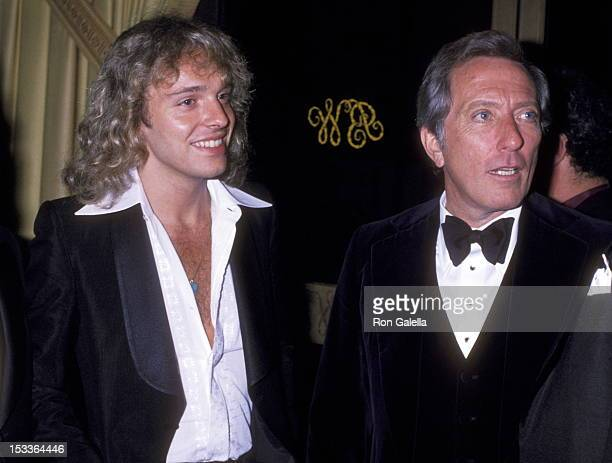 Musician Peter Frampton and singer Andy Williams attend The City of Hope's Spirit of Life Award Dinner Salute to Clive Davis on February 24 1978 at...