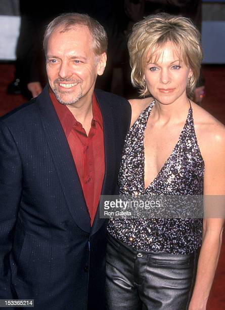 Musician Peter Frampton and wife Tina Elferts attend the 43rd Annual Grammy Awards on February 21 2001 at The Staples Center in Los Angeles California