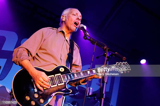 Musician Peter Frampton performs at the Gibson Guitar tent during the 2008 Consumer Electronic Show at Las Vegas Convention Center January 8, 2008 in...