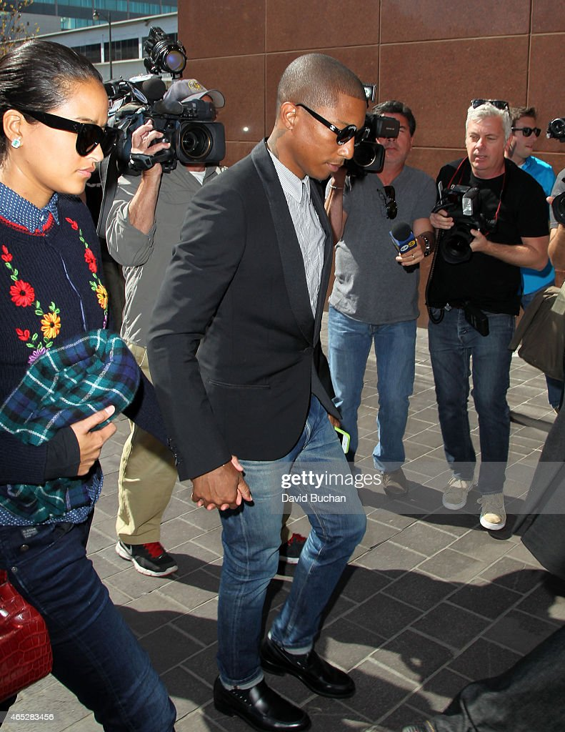 """""""Blurred Lines"""" Musicians Robin Thicke And Pharrell Williams Lawsuit By Children Of R&B Legend Marvin Gaye Trial : News Photo"""