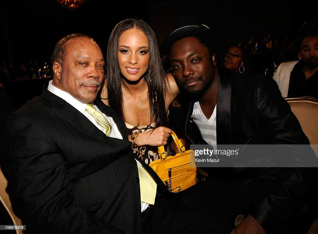 2008 Clive Davis Pre-GRAMMY Party - Reception and Dinner : News Photo