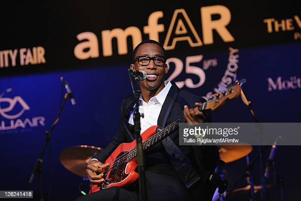 Musician Raphael Saadiq attends amfAR MILANO 2011 at La Permanente on September 23 2011 in Milan Italy