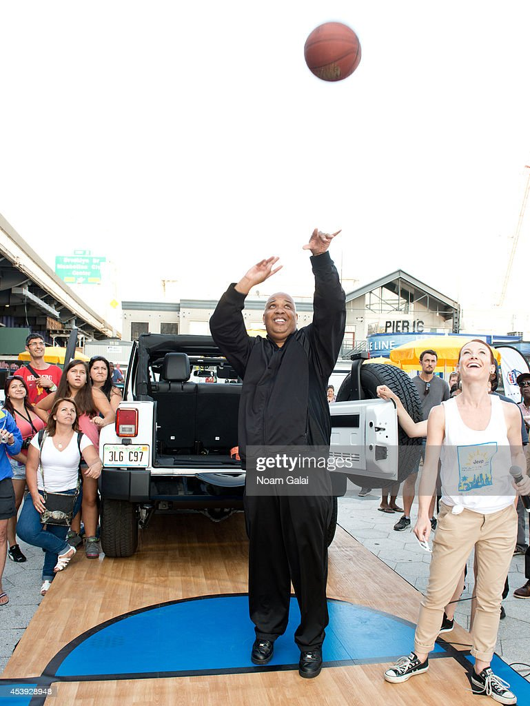 Musician Rev Run attends The Summer Of Jeep at South Street Seaport on August 21, 2014 in New York City.