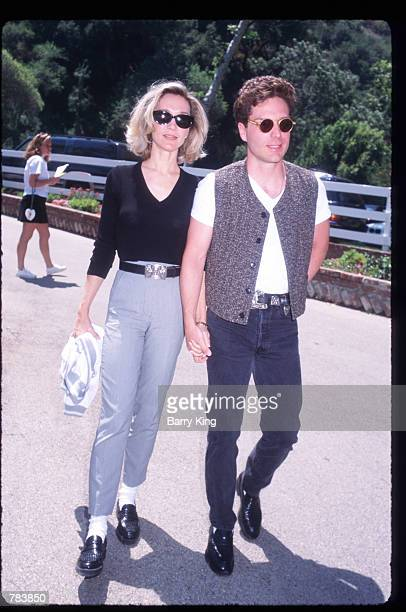 Musician Richard Marx and wife Cynthia Rhodes pose at the Pediatric AIDS Foundation Fundaiser June 9 1996 in Los Angeles CA The Pediatric AIDS...