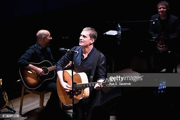 Musician Rob Thomas performs on stage during an Evening with Rob Thomas to benefit Sidewalk Angels at Samsung 837 at Samsung 837 on October 25 2016...