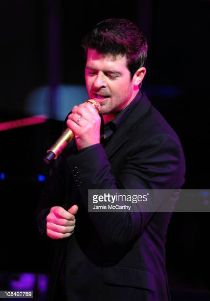 Musician Robin Thicke performs onstage during the 6th Annual Woman's Day Red Dress Awards at the Allen Room in Frederick P Rose Hall Jazz at Lincoln...