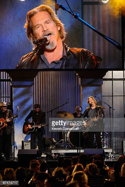 Musician Ryan Bingham and actor/musician Jeff Bridges perform onstage during the 25th Film Independent's Spirit Awards held at Nokia Event Deck at LA...