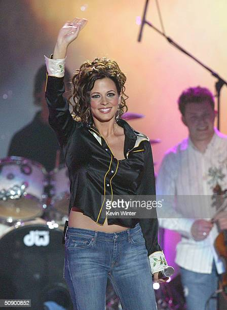 Musician Sara Evans performs on stage at the 39th Annual Country Music Awards on May 26 2004 at the Mandalay Bay Hotel and Casino in Las Vegas Nevada