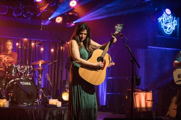CA: Sara Petite Album Release Livestream