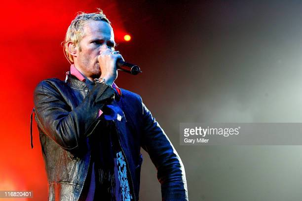 Musician Scott Weiland of Stone Temple Pilots performs in concert at the AT&T Center on June 27, 2008 in San Antonio, Texas.