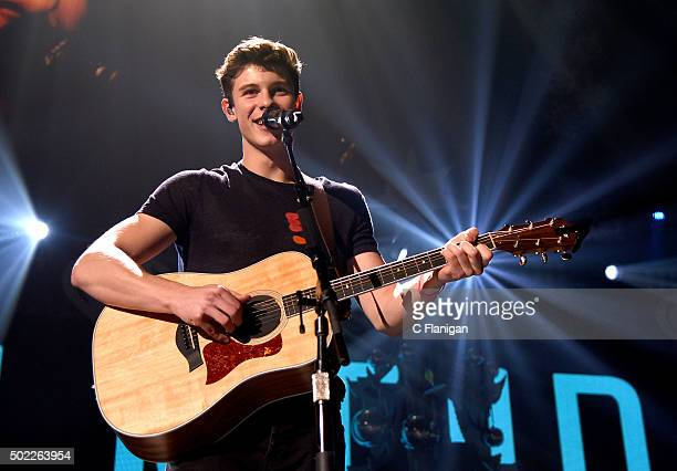 Musician Shawn Mendes performs onstage during 103.5 KISS FM's Jingle Ball 2015 presented by Capital One at Allstate Arena on December 16, 2015 in...