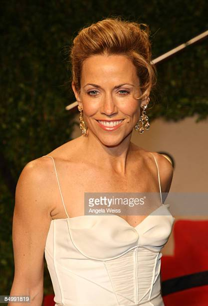 Musician Sheryl Crow arrives at the 2009 Vanity Fair Oscar Party hosted by Graydon Carter held at the Sunset Tower on February 22 2009 in West...