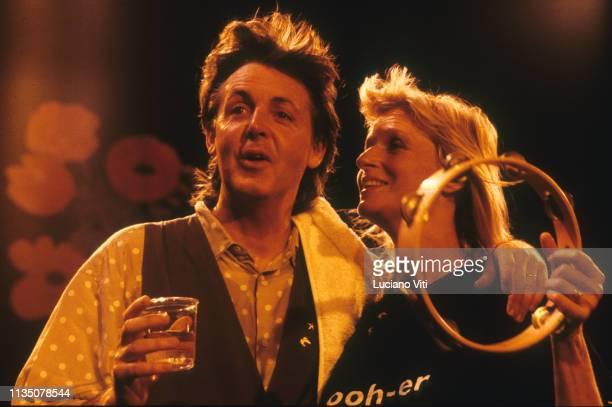 Musician singersongwriter Paul McCartney and his wife Linda McCartney London 1988