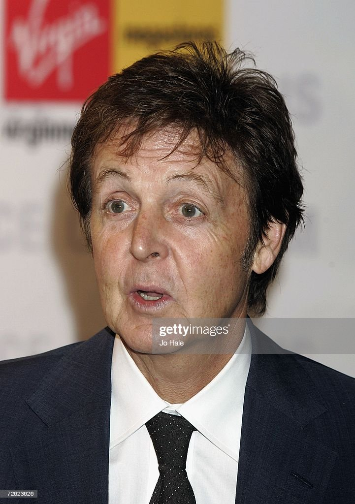 Paul McCartney DVD Signing
