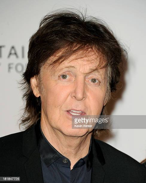 Musician Sir Paul McCartney arrives at the 23rd Annual Simply Shakespeare Benefit reading of The Two Gentleman of Verona at The Broad Stage on...
