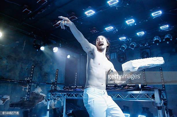 Musician Steve Aoki performs onstage during MTV's 'Wonderland' LIVE Show on October 13 2016 in Los Angeles California