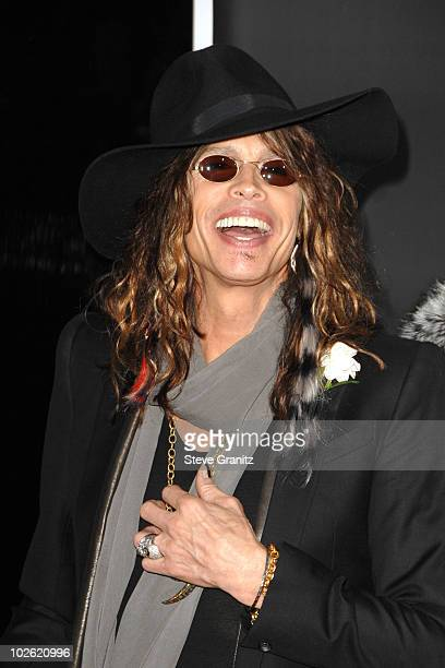 Musician Steven Tyler arrives at the 2008 American Music Awards held at Nokia Theatre L.A. LIVE on November 23, 2008 in Los Angeles, California.