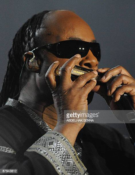US musician Stevie Wonder performs on stage during the eighth Mawazine international music festival in Rabat on May 23 2009 AFP PHOTO/ABDELHAK SENNA