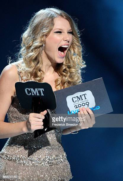 Musician Taylor Swift accepts an award on stage during the 2009 CMT Music Awards at the Sommet Center on June 16, 2009 in Nashville, Tennessee.