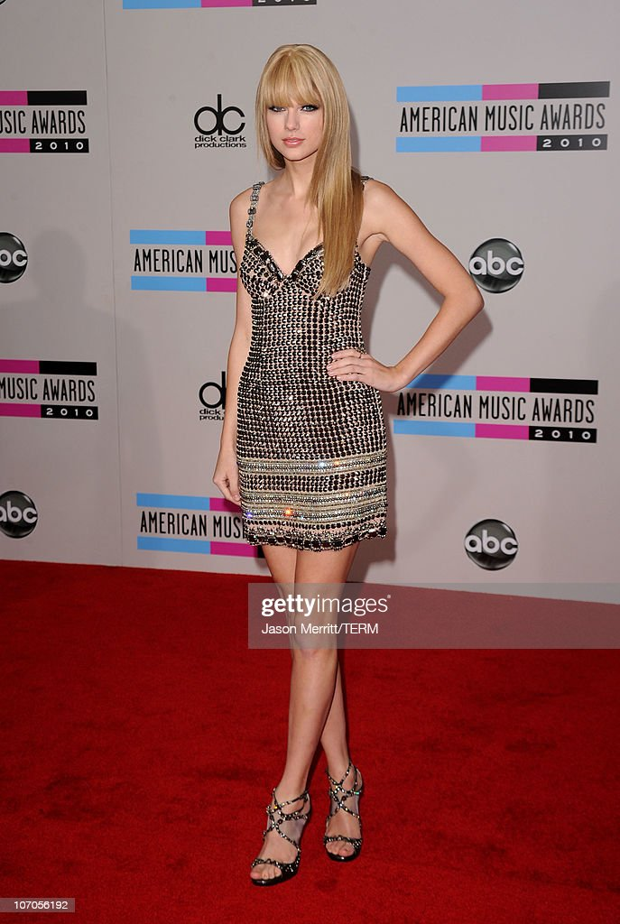 2010 American Music Awards - Arrivals : News Photo