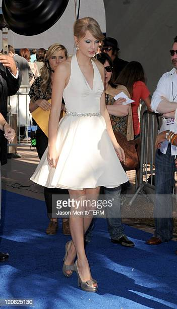 Musician Taylor Swift arrives at the 2011 Teen Choice Awards held at the Gibson Amphitheatre on August 7 2011 in Universal City California
