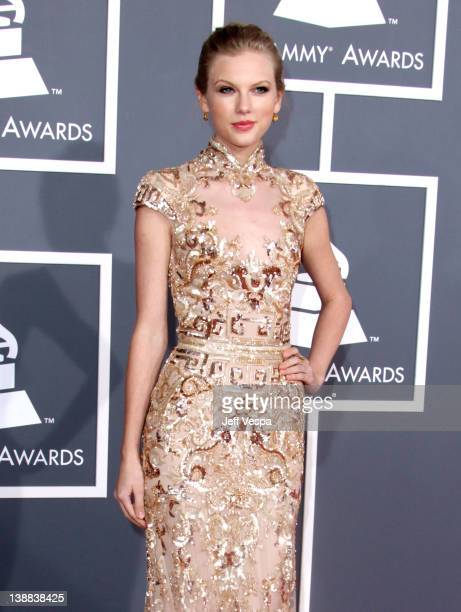 Musician Taylor Swift arrives at The 54th Annual GRAMMY Awards at Staples Center on February 12, 2012 in Los Angeles, California.