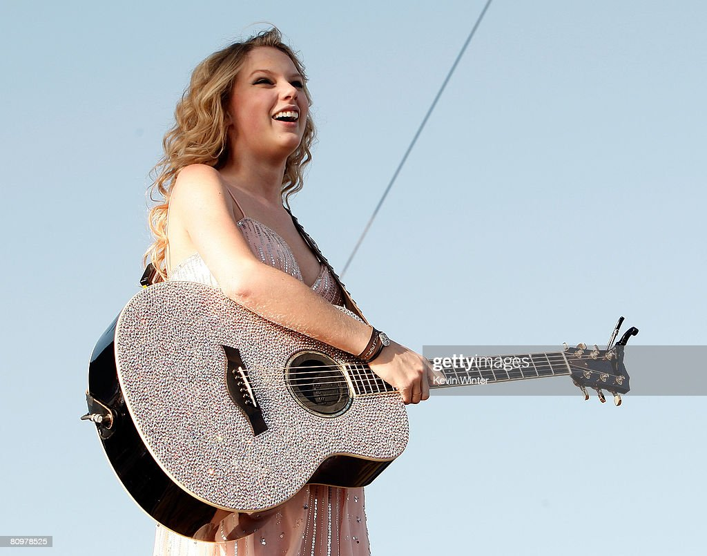Musician Taylor Swift performs onstage during day 2 of the 2008 Stagecoach Country Music Festival held at the Empire Polo Field on May 3, 2008 in Indio, California.