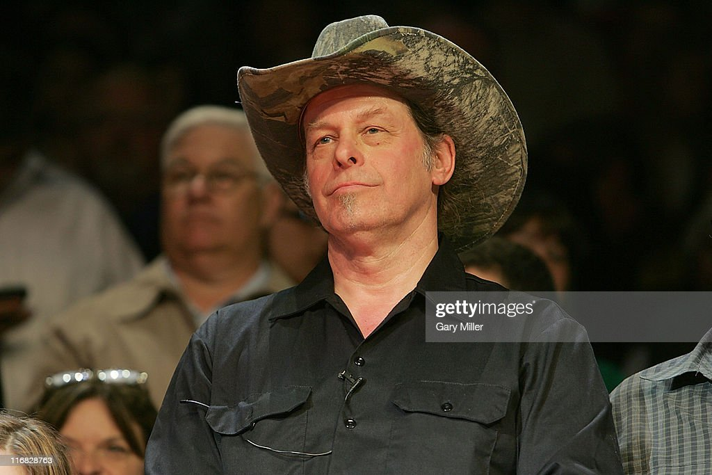 """Ted Nugent Performs At """"Super Sunday With Sarah Palin"""" Campaign Rally"""