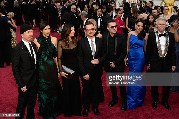 Musician The Edge Morleigh Steinberg Alison Hewson singer Bono musician Larry Mullen Jr Mariana Teixeira and musician Adam Clayton attend the Oscars...
