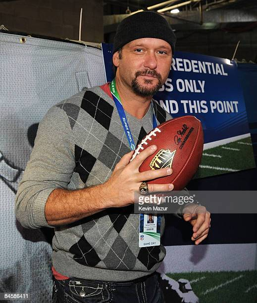 Musician Tim McGraw attends Super Bowl XLIII between the Arizona Cardinals and the Pittsburgh Steelers on February 1 2009 at Raymond James Stadium in...