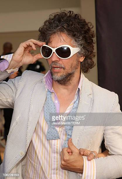 Musician Wayne Coyne of the Flaming Lips arrives at the 2008 VH1 Rock Honors honoring The Who at UCLA's Pauley Pavilion on July 12 2008 in Los...