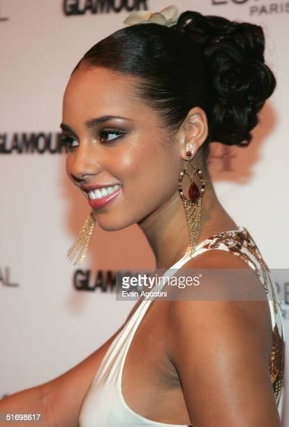 Musician/honoree Alicia Keys attends the 15th Annual Glamour 'Women of the Year' Awards at the American Museum of Natural History November 8 2004 in...
