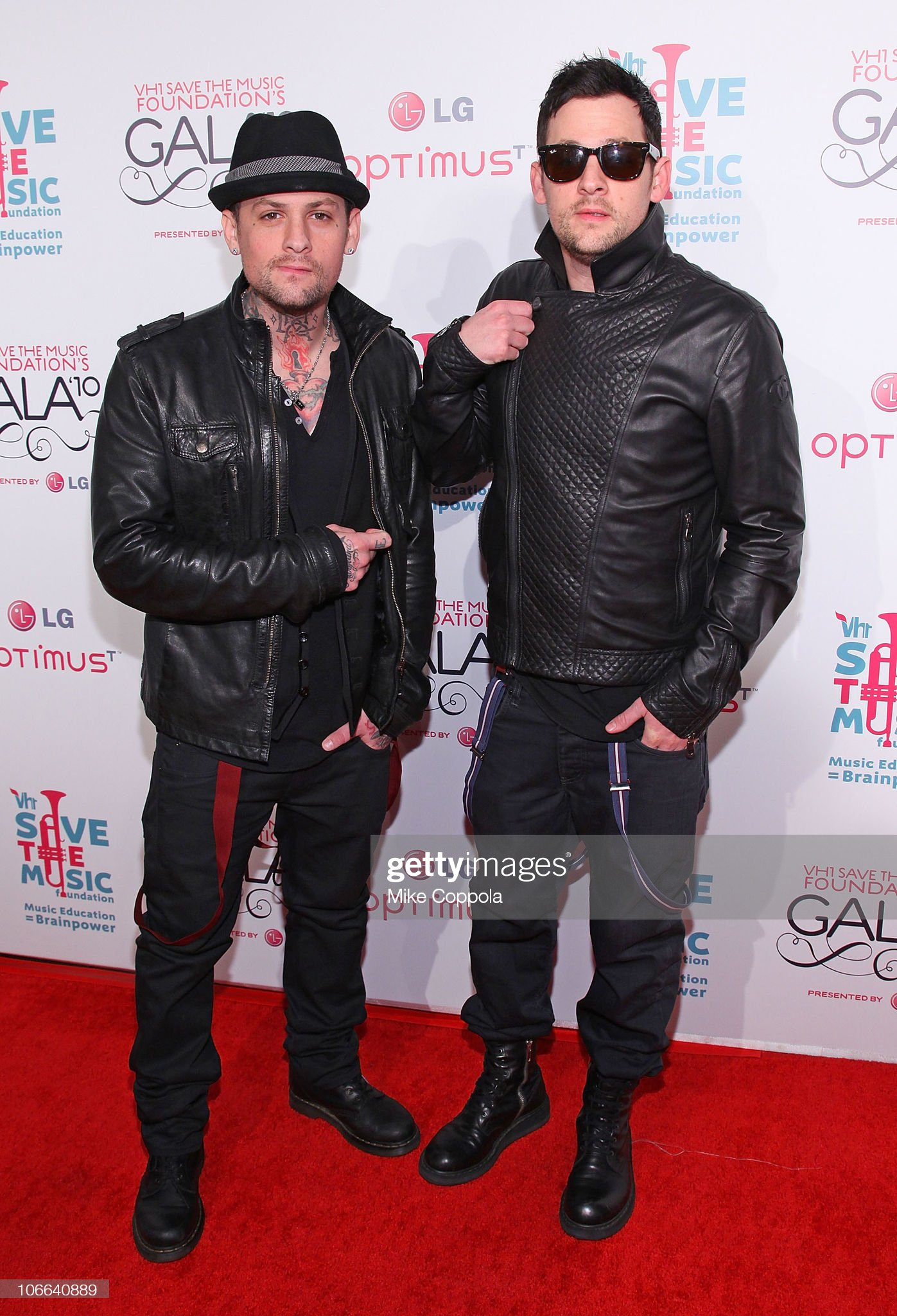 ¿Cuánto mide Benji Madden? - Altura - Real height Musicians-benji-madden-and-joel-madden-of-the-band-good-charlotte-picture-id106640889?s=2048x2048