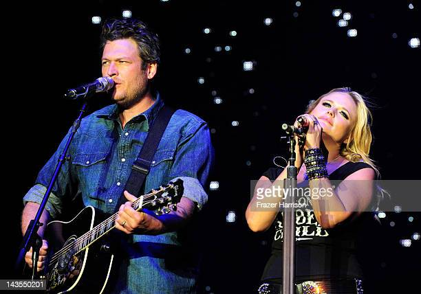 Musicians Blake Shelton and Miranda Lambert perform onstage during the Stagecoach Country Music Festival held at the Empire Polo Field on April 28...