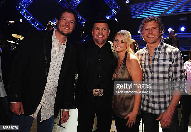 Musicians Blake Shelton Garth Brooks Miranda Lambert and Dierks Bentle pose backstage during the 44th annual Academy Of Country Music Awards' Artist...