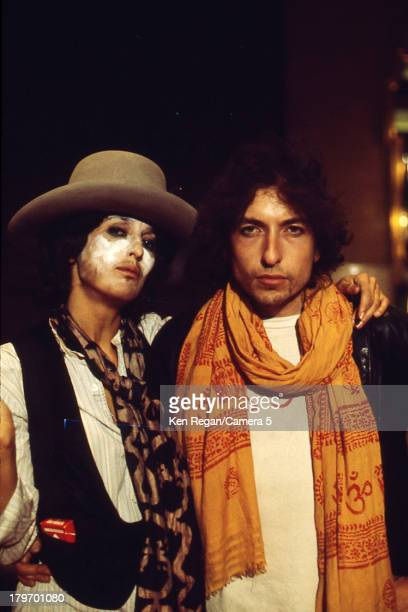 Musicians Bob Dylan and Joan Baez are photographed during the Rolling Thunder Revue in December 1975 in Montreal Quebec CREDIT MUST READ Ken...