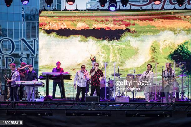 Musicians Brian Eichenberger, Randy Leago, Bruce Johnston, Tim Bonhomme, Mike Love, Mark McGrath, John Stamos, and Christian Love of The Beach Boys...