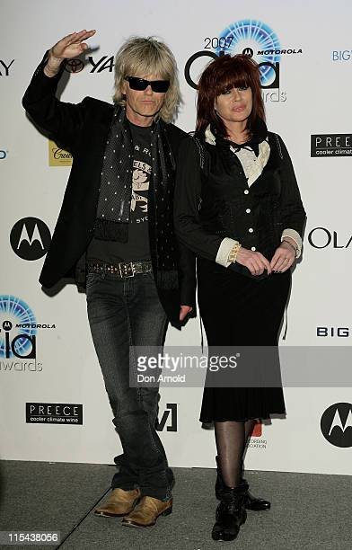 Musicians Chrissy Amphlett and Mark McEntee of The Divinyls pose at the 2007 ARIA Awards at Acer Arena on October 28, 2007 in Sydney, Australia. The...