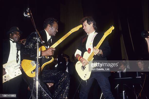 Musicians Chuck Berry and Keith Richards attend Rock N Roll Hall of Fame Awards on January 21 1987 at the Waldorf Hotel in New York City