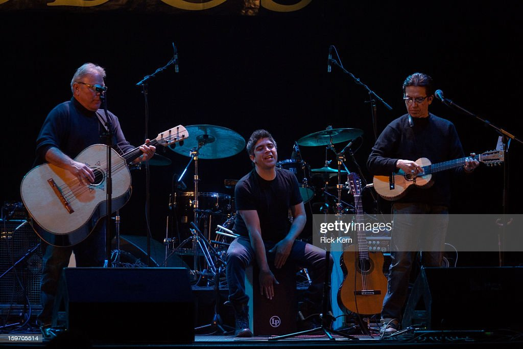 Los Lobos Acoustic En Vivo In Concert - Austin, TX Photos and Images ...