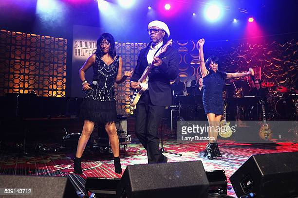 Musicians Debbie Sledge Lionel Richie and Joni Sledge perform onstage during the Songwriters Hall Of Fame 47th Annual Induction And Awards at...