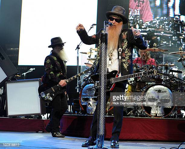 Dusty Hill Pictures and Photos - Getty Images