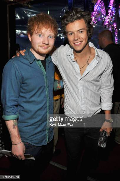 harry styles ed sheeran 画像と写真 getty images