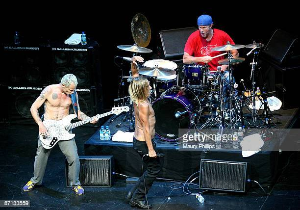 Musicians Flea Iggy Pop and Chad Smith perform at the 5th annual MusiCares MAP Fund benefit concert on May 8 2009 in Los Angeles California