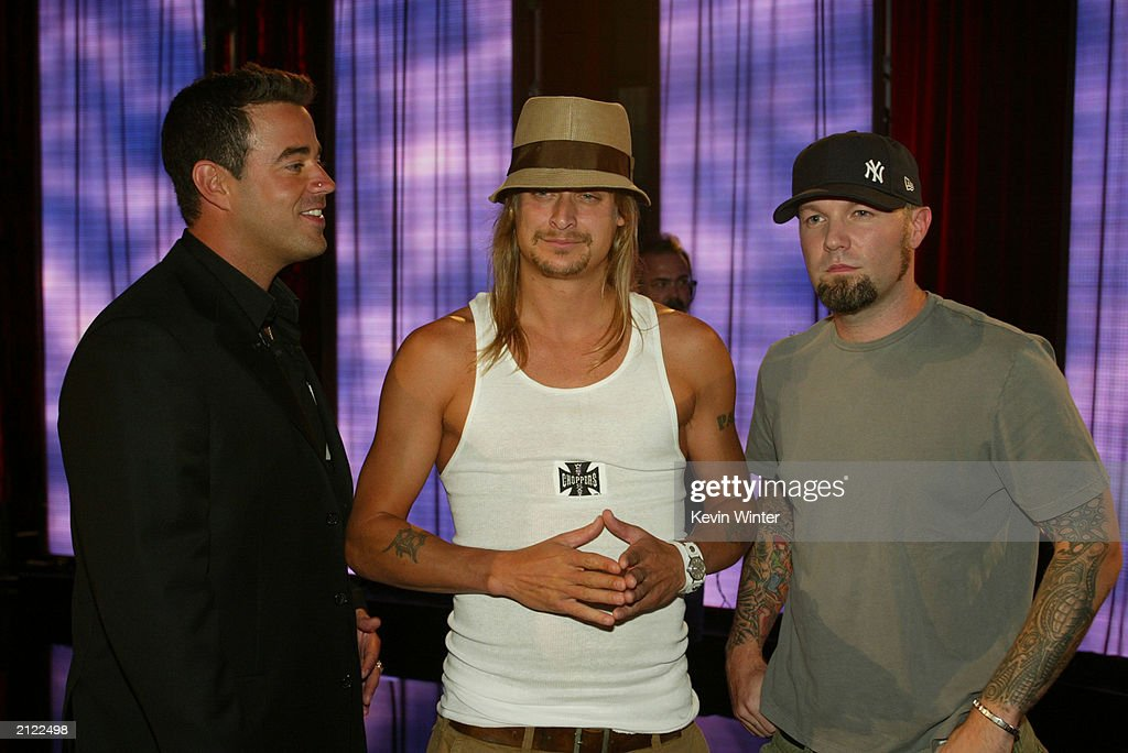 musicians fred durst and kid rock mingle with carson daly