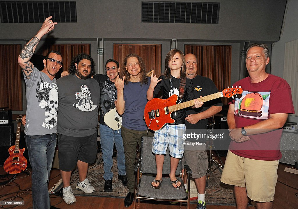 Robben ford robben ford musicians gary huey and robben ford with campers attends campalooza rock roll fantasy camp 2013 voltagebd Choice Image