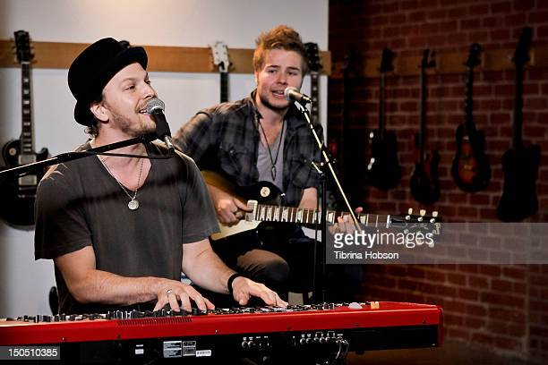 Musicians Gavin DeGraw and Billy Norris perform at Microsoft's 'Shape The Future Program' to benefit VH1 'Save The Music' at Gibson Guitar...