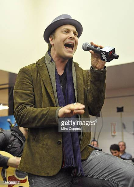 Musicians Gavin DeGraw performs at 'PLJ's 20th Annual Scott Todd's Live broadcast/auction at Blythedale Children's Hospital on December 21 2011 in...